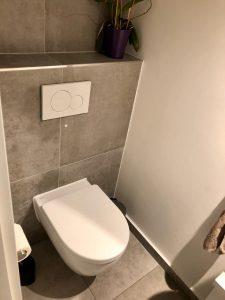 WC mit Ablage